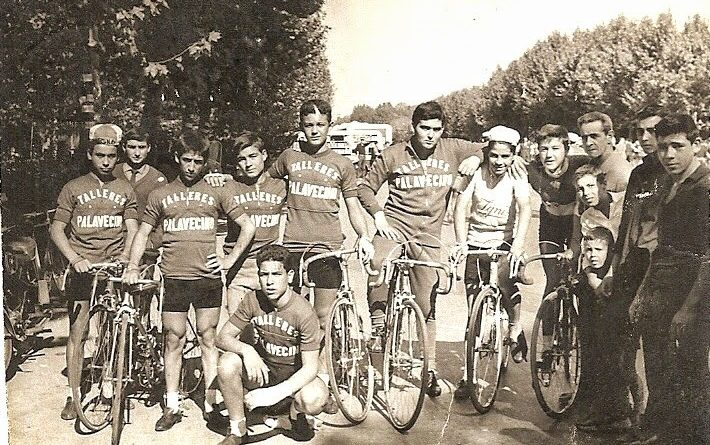 Imagen de Equipo TALLERES PALAVECINO, 1963